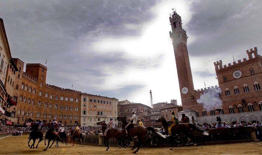 Il Palio – скачки в Сиене