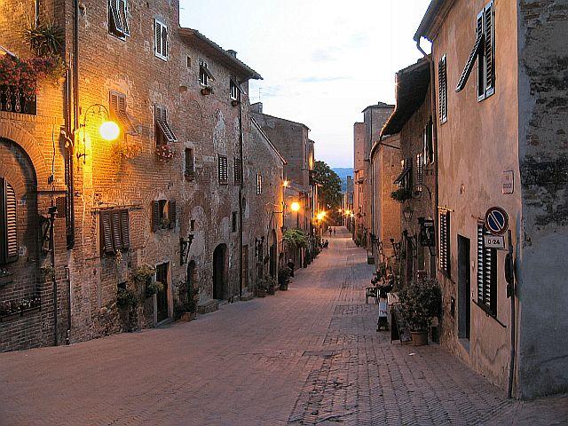 Экскурсии в Тоскане: Чертальдо