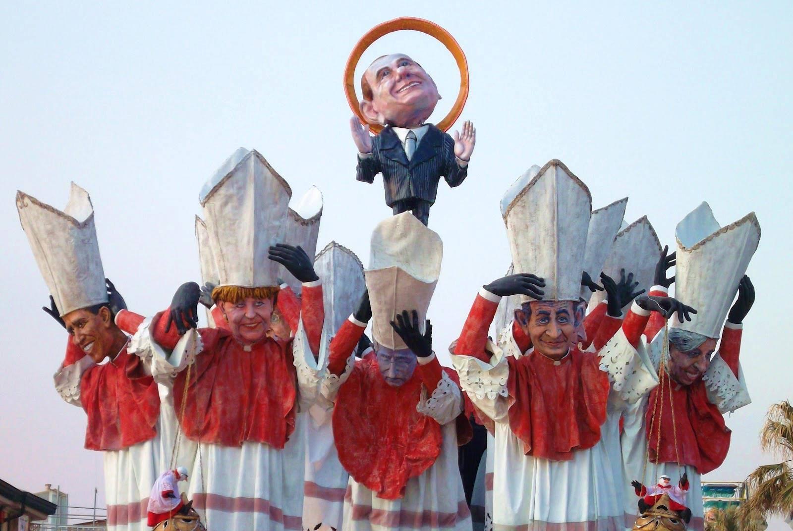 Праздники в Тоскане, март: сатирический карнавал в Виареджо