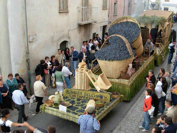 Италия в октябре: праздник винограда